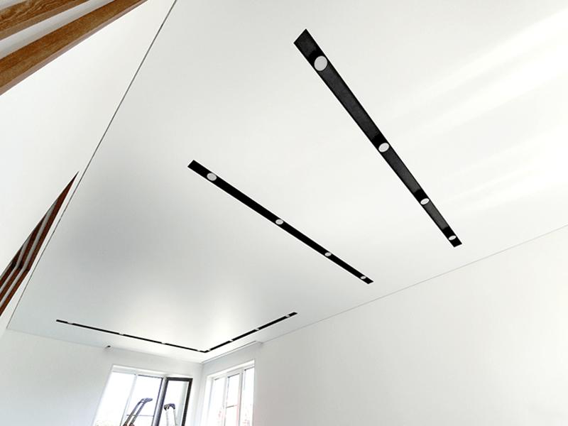 Натяжной потолок в стиле Минимализм