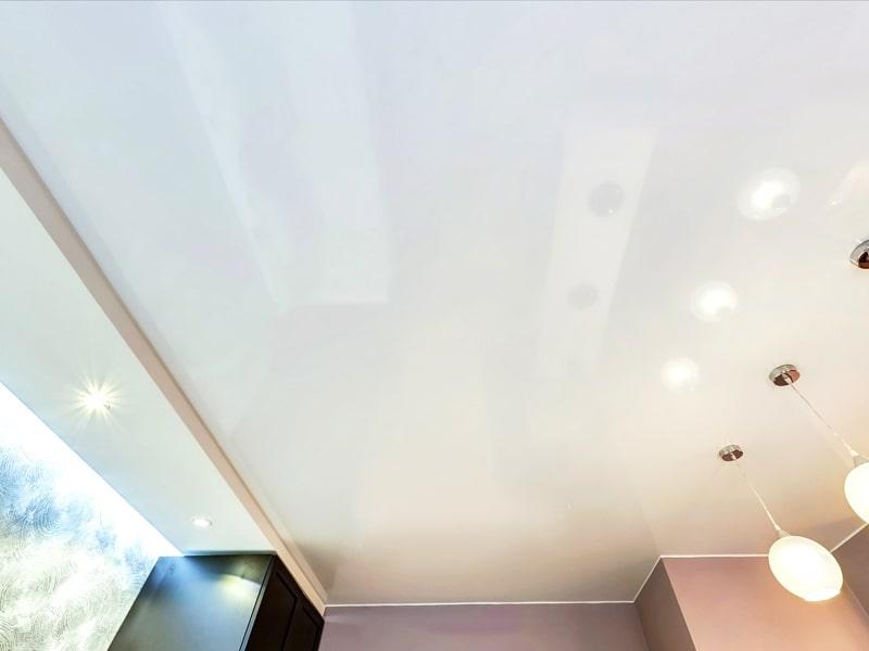 Натяжной потолок в стиле Фьюжн