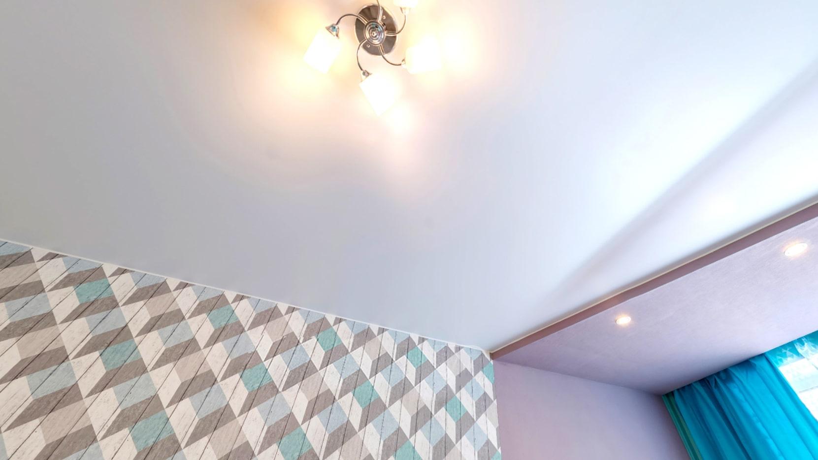 Дизайн сатинового натяжного потолка